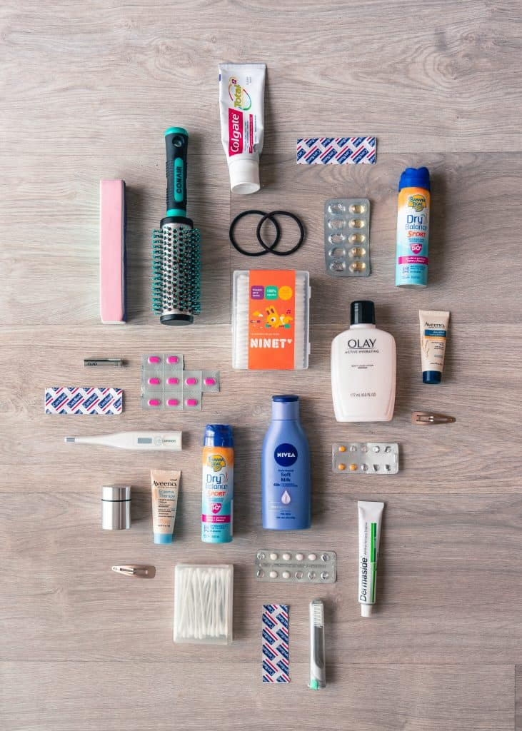 Wondering what to pack in your hospital bag? Are the lists you find online overwhelming? Check out my ultimate hospital bag list!